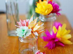 Pretty paper flowers: tutorial