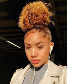 Now they wanna roll with the kid Baddie Hairstyles, Black Girls Hairstyles, Cute Hairstyles, Stylish Hairstyles, Pelo Natural, Natural Hair Tips, Natural Hair Styles, Natural Glow, Natural Makeup