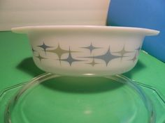 Vintage Blue Green Retro Star Pyrex Casserole Dish | eBay - this is a different one...
