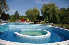 A Nagykátai Gyógyfürdőben különféle medencék, sportolási lehetőségek és wellness szolgáltatások szolgálják a vendégek kikapcsolódását. Hungary