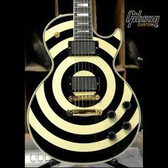 Bullseye! Gibson Zakk Wylde Les Paul Custom Bullseye.  - Cool guitar