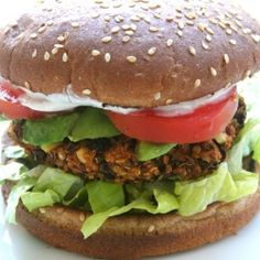 Black bean and quinoa veggie burger by sweetcarolinecooking