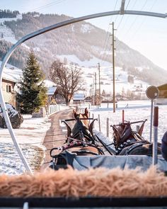 A charming wintery white Christmas scene up in sunny Gstaad last weekend, sitting in the beautiful horse carriage riding through the snowy…