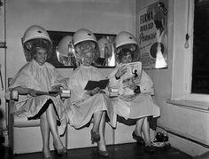 Salon in Oswestry England 1957 Vintage Hairdresser, Vintage Hair Salons, Brylcreem, Natural Red Hair, Bleach Blonde Hair, Hair Romance, History Timeline, Love Your Hair, Estilo Retro
