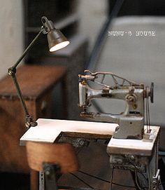 クリックすると元のサイズで表示します Miniature sewing machine - Nunu's