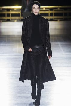 Haider Ackermann Fall 2014 RTW - Runway Photos - Fashion Week - Runway, Fashion Shows and Collections - Vogue Fashion Week, High Fashion, Winter Fashion, Fashion Show, Fashion Design, Paris Fashion, Runway Fashion, Brown Fashion, Haider Ackermann