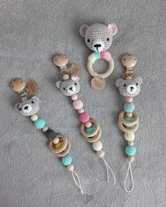 Best 12 Set PDF patterns My little Bear – Stroller Chain, Baby Rattle and Paci. Knitted Baby Clothes, Crochet Baby Shoes, Cute Crochet, Crochet Toys, Crochet Bear Patterns, Crochet Animals, Pdf Patterns, Tricot Baby, Baby Shoes Pattern