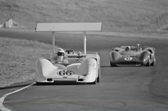 (66) Jim Hall - Chaparral 2G Chevrolet - Chaparral Cars - (6) Mark Donohue - Lola T70 Mk.3B Chevrolet - Roger Penske Racing - Monterey Grand Prix Laguna Seca - Can-Am Laguna Seca - 1967 Canadian-American Challenge Cup, round 4 - © Bill Hewitt