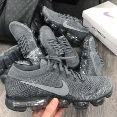 Nike Vapormax Flyknit...-#nikeairmax Sneaker Heels, Men's Sneakers, Sneakers Fashion, Fashion Shoes, Adidas Outfit, Nike Outfits, Fab Shoes, Me Too Shoes, Women's Shoes