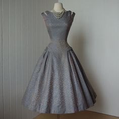 beautiful NATLYNN new york originals blue damask full skirt double strap princess pin-up dress, love the details on this. Pin Up Dresses, Day Dresses, Fashion Dresses, Dress Up, Dress Skirt, Prom Dresses, Vintage 1950s Dresses, Vestidos Vintage, Vintage Outfits