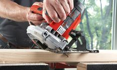 Choosing the best circular saw for you can be difficult. There are many saws to and lots of features to consider. We'll help you make the right choice! Best Cordless Circular Saw, Compact Circular Saw, Circular Saw Reviews, Best Circular Saw, Types Of Saws, Home Repairs, Outdoor Power Equipment, Good Things