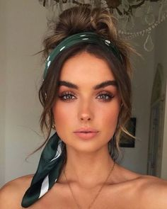 Beauty Trends 2019 k beauty makeup trends Curly Hair Styles, Natural Hair Styles, Cute Hair Styles Easy, Bandana Hairstyles Short, Wedding Hairstyles, Hairstyles With Headbands, Braided Hairstyles, Winter Hairstyles, Black Hairstyles