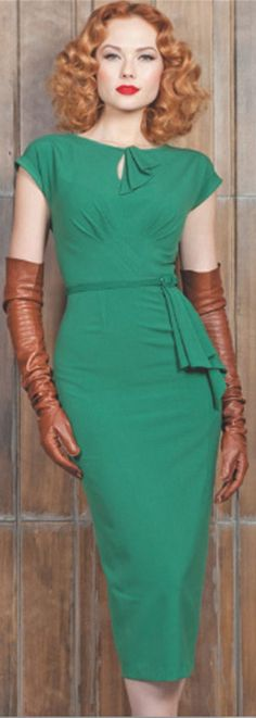 sexy fashions http://boomerinas.com/2012/11/the-royal-resurgence-of-1950s-fashion/