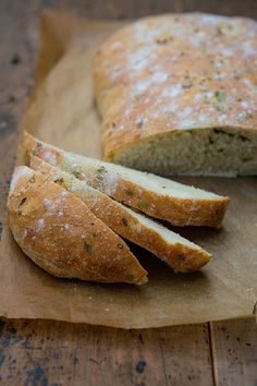 Overnight Homemade Herbed Italian Loaf - The key to successful homemade bread baking is to mix it and forget it. Overnight no-knead soft Italian bread.