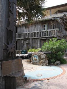 Driftwood Inn, Vero Beach, FL Stayed here a few times with my Godparents, loved the relaxed feel :)