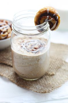Cinnamon roll flavored overnight oats