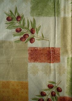 60-Round-Olives-vinyl-flannel-backed-tablecloth-Pictorial-multi-color-Nantucket