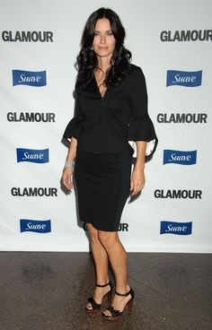 courteney_cox_arrives_at_glamour_reel_moments1.jpg (1000×1562)