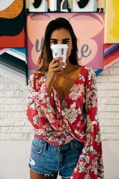 Summer look | Vaporous floral fold blouse with denim shorts
