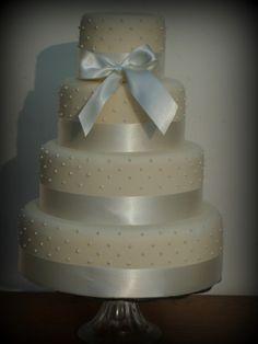 Elegant Pearl Wedding Cake - LOVE this!!! #pearls #satin