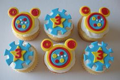 Mickey Mouse Clubhouse Cupcakes - Love these! Mickey And Minnie Cake, Mickey Mouse Bday, Mickey Mouse Cupcakes, Mickey Mouse Clubhouse Birthday Party, Mickey Mouse Parties, Mickey Party, Mickey Mouse And Friends, Mickey Mouse Birthday, 2nd Birthday