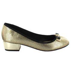 Bailarina con tacón bajo en tono Dorado. Una bailarina cómoda con un toque sofisticado. Ref.6895 //Ballerina heel shoe in Golden colour with bow detail. A comfortable Ballerina with a touch of sophistication. Ref.6895