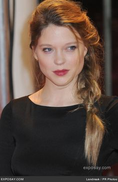 """Lea Seydoux - """"Mission: Impossible - Ghost Protocol"""" UK Premiere - Arrivals Short Wavy Hair, Short Hair Styles, 60s Hair, Fashion Jobs, Tom Cruise, Play Dress, Girl Hairstyles, Hair Makeup, Braids"""