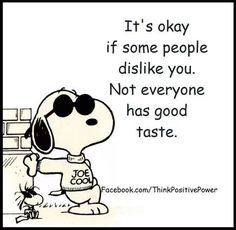That Snoopy, so cute, he has a line for everything! That Snoopy, so cute, he has a line for e Snoopy Halloween, Snoopy Christmas, Summer Christmas, Halloween Quotes, Happy Halloween, Phrase Cute, Snoopy E Woodstock, Snoopy Drawing, Snoopy Tattoo