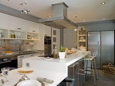 Cocina de diseño moderno equipada con electrodomésticos Liebherr. #Liebherr #electrodomesticos #appliances #Cocina #kitchen #Cuisine