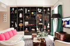 Tra le 55 camere e i vari spazi, al Capri Tiberio Palace troverete ogni ambiente con una propria essenza che segue il fil rouge del design. Dalla Capri Suite, che omaggia il cinema anni '50, alla Mojito Terrace, con un belvedere mozzafiato