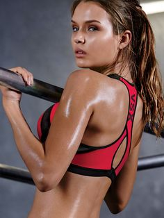 The world's best sport bras, bar none. | Incredible by Victoria's Secret Sport Bra