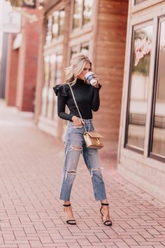 Styling boyfriend jeans for fall chronicles of frivolity style inspiration Boyfriend Jeans Outfit Summer, Jeans Outfit For Work, Boyfriend Jeans Style, Work Jeans, Work Outfits, Winter Outfits, Casual Work Outfit Winter, Jeans Outfit Winter, Ripped Knee Jeans