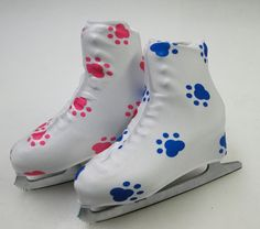 Show your love for your puppy dog with Puppy Paw skate boot covers in black. Protect the resale value of the figure skates by using boot covers to keep skates looking new. A great skating gift idea!