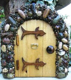 Fairy door archway with polished stones (add beads) {inspiration}