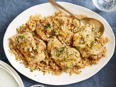 Κοτόπουλο+με+ρύζι+και+μανιτάρια,+αρωματισμένο+με+πορτοκάλι+στο+φούρνο