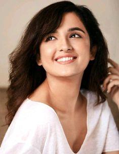 Stylish Girls Photos, Stylish Girl Pic, Girl Photos, Beautiful Bollywood Actress, Most Beautiful Indian Actress, Shirley Setia, Neha Kakkar, Cute Princess, Cute Korean