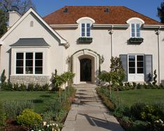 Red Roof Design, Pictures, Remodel, Decor and Ideas - page 2 Exterior Paint Colors For House, Paint Colors For Home, Exterior Colors, Exterior Design, Paint Colours, Stucco Colors, Shingle Colors, Red Roof House, House Siding