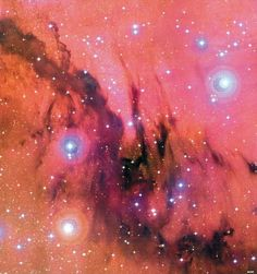 Giant, dense molecular cloud NGC 7000 lies in the heart of an active star formation region. Ultraviolet radiation from close newly formed massive stars ionizes the ambient atomic hydrogen & causes it to glow redly.