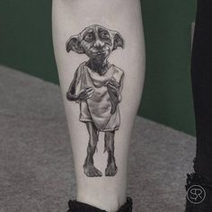 Dobby the house elf tattoo on Kimberly. Tattoo artist: Sven… Source by [pin_pinner_useDobby the house elf tattoo on Kimberly. Tattoo artist: Sven… Dobby the house elf tattoo on Kimberly. Kfc, Disney Tattoos, Little Tattoos, Small Tattoos, Body Art Tattoos, Sleeve Tattoos, Harry Potter Tattoos Sleeve, Tatoos, Incredible Tattoos