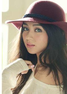throwback // beautiful as always, kathryn bernardo❤ Filipina Girls, Filipina Actress, Filipina Beauty, Philippines, Kathryn Bernardo, Girl With Hat, Girl Crushes, Asian Woman, Asian Beauty