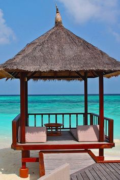 The best honeymoon destinations making headlines to serve your needs quite adequately, in accordance with your budget. Your destination wedding and your honeymoon, the best moments of your life W Hotel, Location Airbnb, Gazebo, Beach Please, Photos Voyages, Cruise Tips, Romantic Getaways, Belle Photo, Dream Vacations