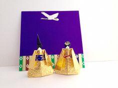 Etsy の 折り紙 日本 人形 金色 by SelectShopNORA #origami #Japan #handmade #souvenir #decor #ornament #lovely #doll