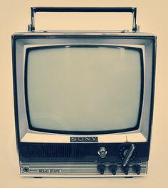 TV #Sony #Solid #State. Aparelho de televisão dos anos 1970; importado dos EUA ($400). Aceitamos Visa & Master. Dúvidas: 11-2365-1260 ou lojacaos584@gmail.com #tv #television #televisao