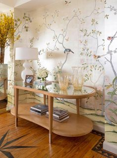 hand painted wallpaper :: chinoiserie wallpaper :: silk wallpaper :: chinese wallpaper :: hand painted silk wallpaper :: hand painted chinese wallpaper :: bespoke wallpaper and custom service Gracie Wallpaper, Silk Wallpaper, Hand Painted Wallpaper, Chinoiserie Wallpaper, Painting Wallpaper, Home Wallpaper, Handmade Wallpaper, De Gournay Wallpaper, Bedroom Wallpaper