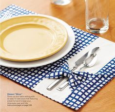 Make it yourself spring summer 2014 by hihih - issuu Dinner Wear, Dinner Room, Fabric Crafts, Sewing Crafts, Place Mats Quilted, Table Runner And Placemats, Mug Rugs, Table Toppers, Diy And Crafts