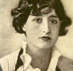 Maruja Mallo (c. 1925)