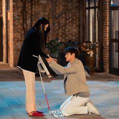 That handkerchief gave her a great strength Kdrama, Love Tweets, Weightlifting Fairy Kim Bok Joo, Kim Myung Soo, Lee Jung, Myungsoo, Scene Image, Angel S, Drama Korea