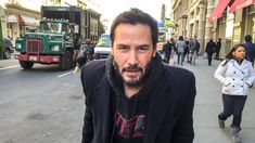 Fact: The monetary gift by Keanu Reeves to his crew for The Matrix film series might be a myth, but his acts of kindness overshadow it. Keanu Reeves House, Keanu Charles Reeves, John Wick, Keanu Reeves Joven, Matrix Film, Good Looking Actors, Childhood Photos, Movie Facts, Actrices Hollywood