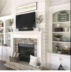 36 Relaxing Farmhouse Fireplace Decoration Ideas For Your House