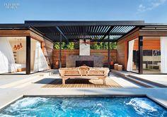 Las modas iCrave un jardín privado de Eden con un Pabellón del patio trasero y acompañando piscina